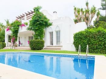 Villa Sabine - Apartment in Estepona
